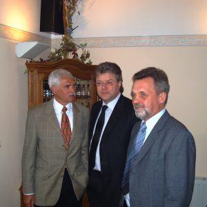 SPD Stadtverbandsvorsitzender Jürgen Selle, MdB Dr. Hans- Ulrich Krüger und SPD Fraktionsvorsitzender Wolfgang Scholten (v. li. n. re.)