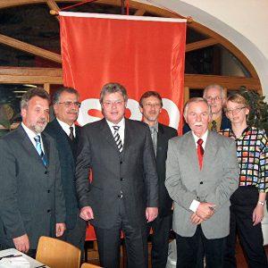 von li. nach re.: Wolfgang Scholten, Mahmut Bilgin, Dr. Hans- Ulrich Krüger, Detlef Goch, Alfred Frank, Klaus Dietrich, Claudia Stillig